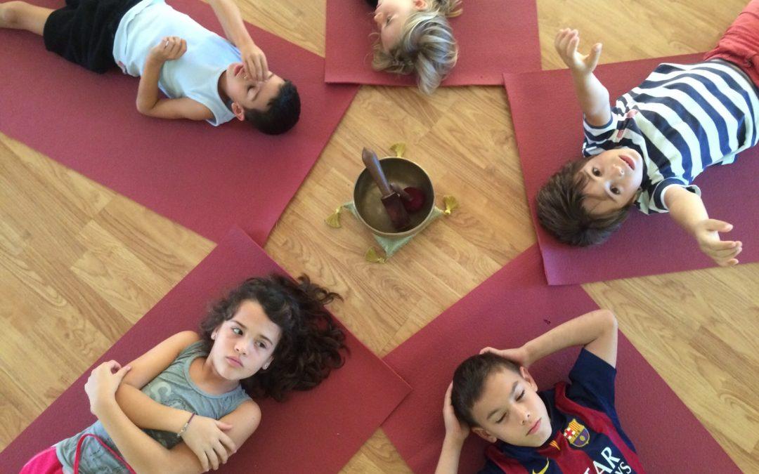 Lo que puede hacer el yoga por los niños. Entrevista a Iria