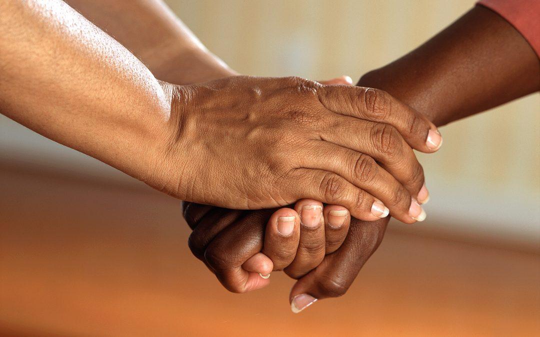 """Cáncer en la familia:  Qué """"hacer"""" y qué """"no hacer"""" para ayudar y ayudarse."""