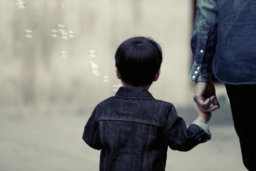 Cómo dar las malas noticias a los niños